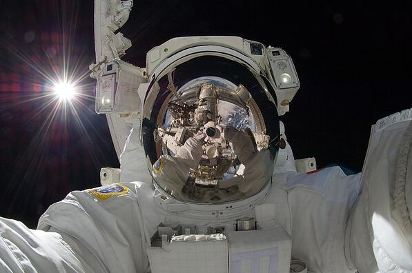 astronaut-877306_960_720.jpg