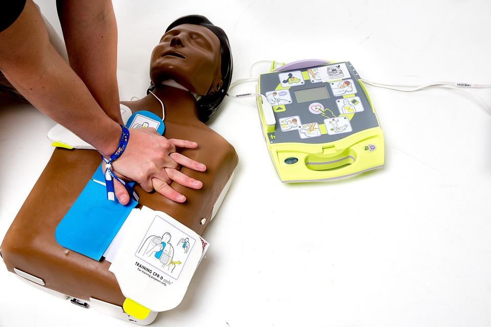 defibrillator-3406702_960_720