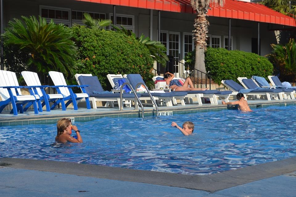 pool-929104_960_720