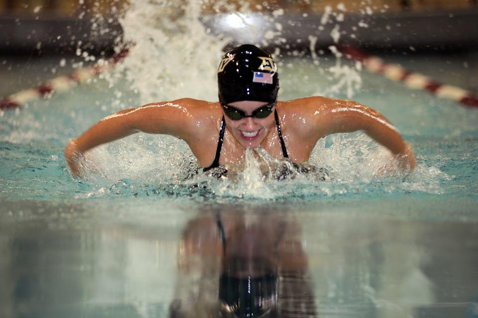 swimmer-579127_960_720