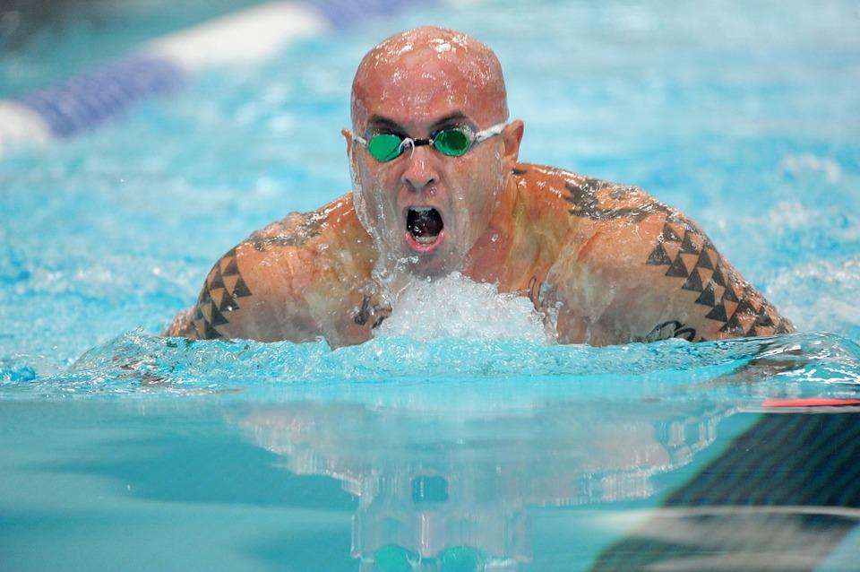 swimmer-659905_960_720