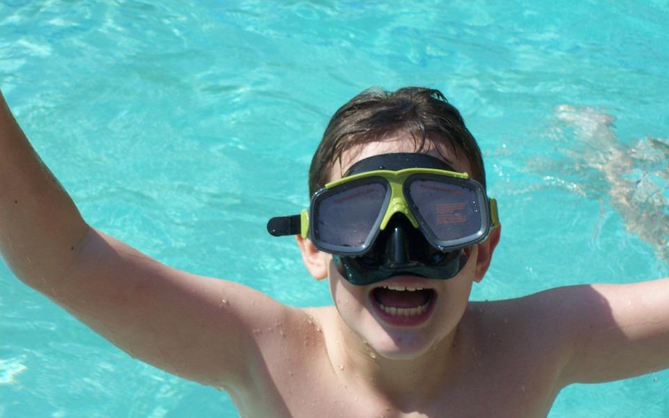 swimming-976384_960_720